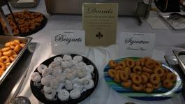 donut plate display 1